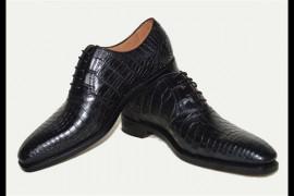 世界鳄鱼文化馆:选购皮鞋5大诀窍和经验技巧