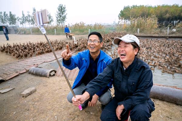 桓台农民新时尚:当网红 做微商